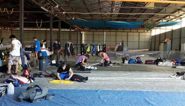 Sprung mit Fallschirm - Sportschule Sizilien