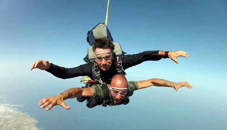 Fallschirmsprung Sportschule Sizilien Sportangebote Sizilien Fallschirmspringen