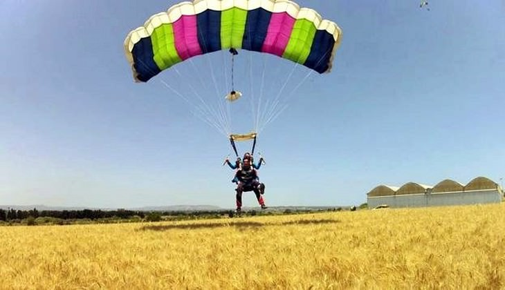 Fallschirmsprung - Sportschule Sizilien
