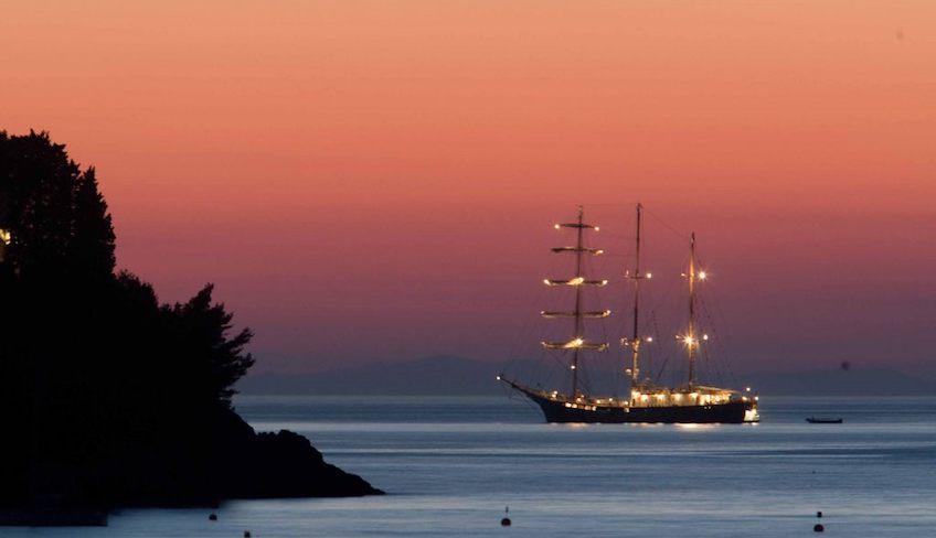 Segelschiff mieten Fest auf dem Schiff exklusive Events in Sizilien