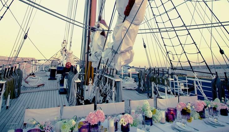 Segelschiff mieten - Fest auf dem Schiff