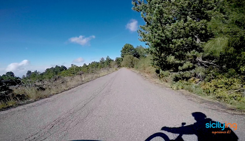 Miete ein Fahrrad Sizilien Sizilien Fahrradstrecken Sizilien Naturpark Alcantara