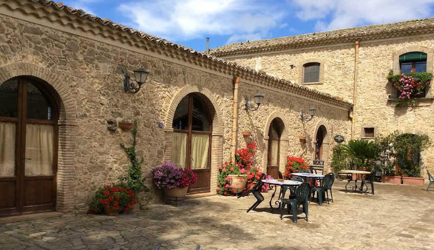 Weinkeller & Weinberge Urlaub in Sizilien - Typisches sizilianisches Haus