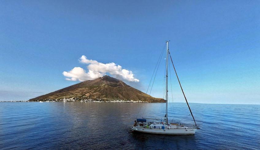 Exkursion auf dem Meer Wandertour Vulkan Sizilien Äolische Inseln