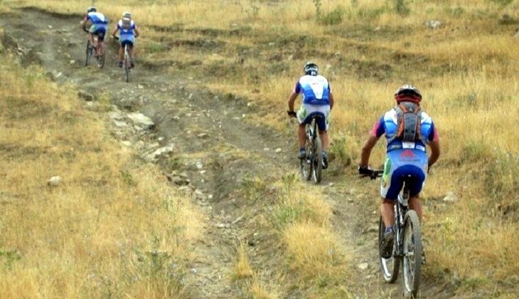 Tour Fahrrad Landschaft des Vulkans Urlaub Natur Sizilien Ätna
