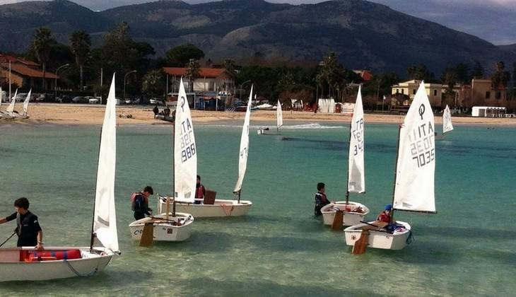 Segelkurs - Schule im Meer Sizilien