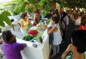 Aromatische Gräser in der Küche Parcours der Geruchssinne Kochunterricht Scicli