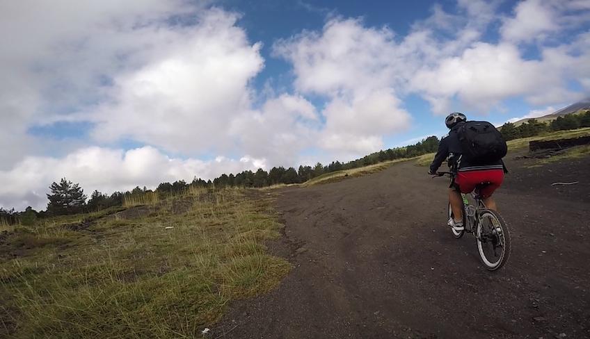 Abenteuer mit dem Mountainbike entlang der Ufer des Simeto