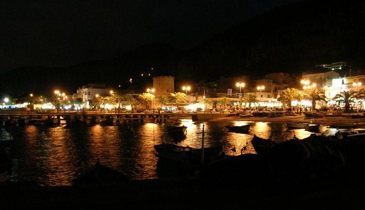 Aperitif auf dem Segelboot - Meer von Mondello