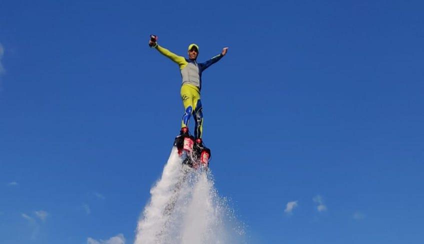Wassersport Urlaub in Sizilien - Flyboard