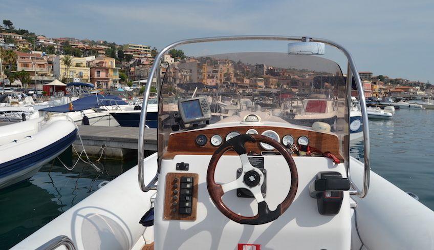 Escursioni in barca Acitrezza  -